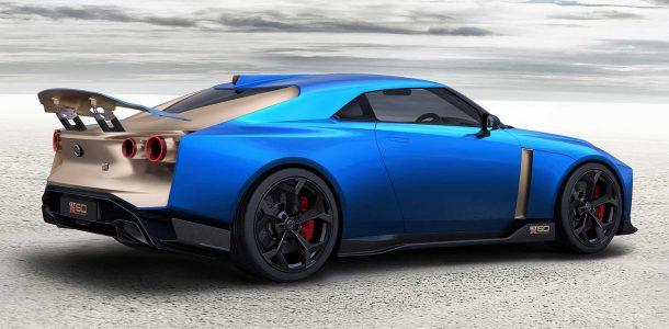 синий Nissan GT-R фото